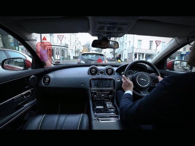 Jaguar-Land-Rover-Urban-Windscreen-Invisible-A-Pillars-Photo-AFP