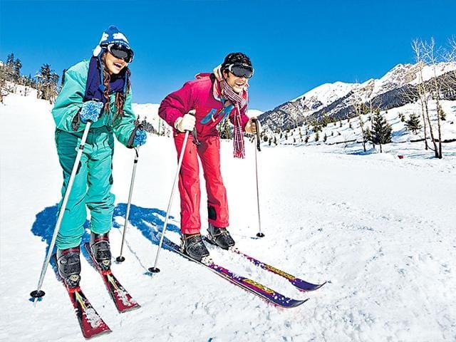 skiing destinations,Gulmarg,Jammu and Kashmir