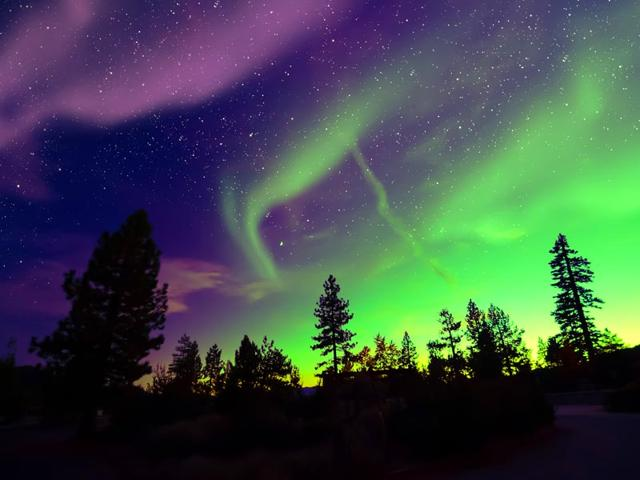 A-chance-of-seeing-the-Northern-Lights-draws-tourists-to-Iceland-every-year-Shutterstock