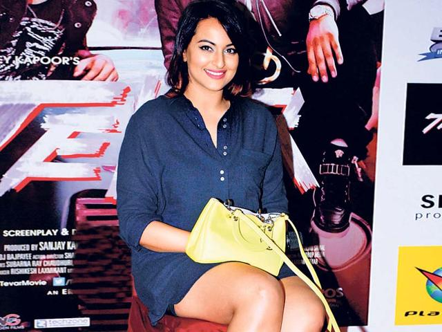 Sonakshi-Sinha-dons-a-shirt-dress-and-brogues-And-does-she-rock-the-look-Photo-Prodip-Guha