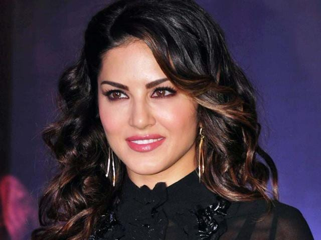 Bollywood's Baby Doll Sunny Leone yet again wowed her fans during an event in Mumbai on Saturday. (PTI)