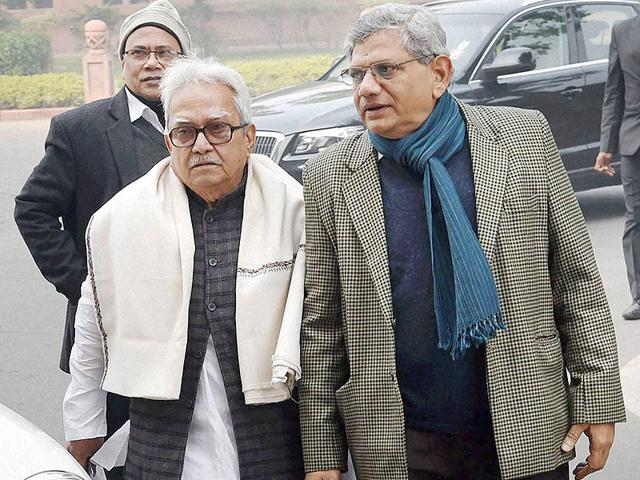 Left-front-chairman-Biman-Bose-along-with-CPI-M-s-Sitaram-Yechury-met-Prime-Minister-Narendra-Modi-over-the-Saradha-scam-in-New-Delhi-on-Monday-PTI-Photo