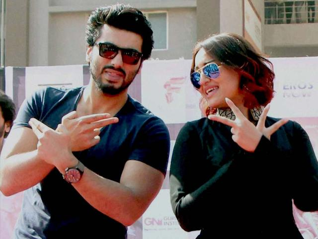 My dad loves Sonakshi more than me: Arjun Kapoor