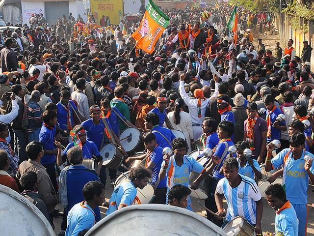 BJP-workers-celebrate-after-the-party-win-at-Pandara-counting-centre-in-Ranchi-on-Tuesday-Parwaz-Khan-HT-Photo