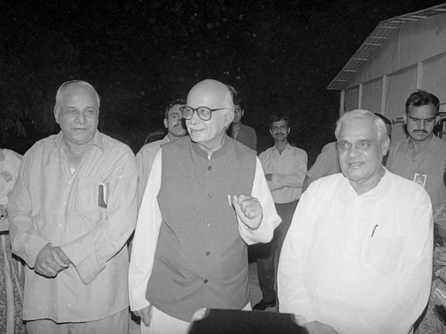 Bahujan Samaj Party leader Kanshiram , Bhartiya Janta Party leaders Atal Bihari Vajpyee and Lal Krishan Advani during a meeting in New Delhi. (Prakash Singh/ HT Photo)