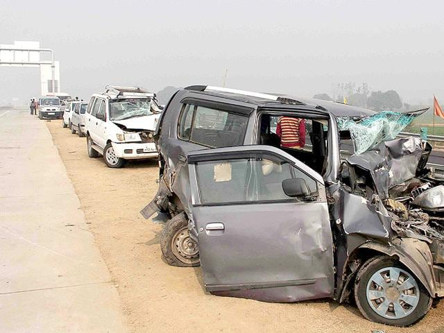 Over-28-vehicles-crashed-back-to-back-on-the-Yamuna-Expressway-in-Greater-Noida-due-to-dense-fog-on-Wednesday-killing-two-and-injuring-scores-of-others-HT-Photo