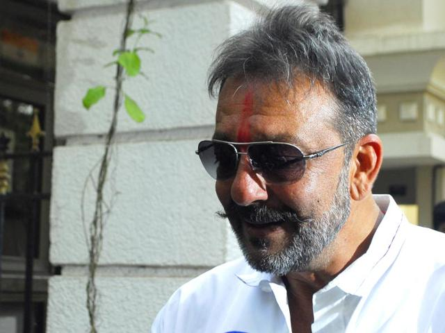 Legal experts upset over special treatment to Sanjay Dutt