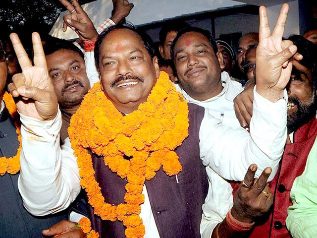 Raghubar-Das-celebrates-after-being-elected-as-the-BJP-legislature-party-leader-in-Jharkhand-in-Ranchi-Diwakar-Prasad-HT-photo