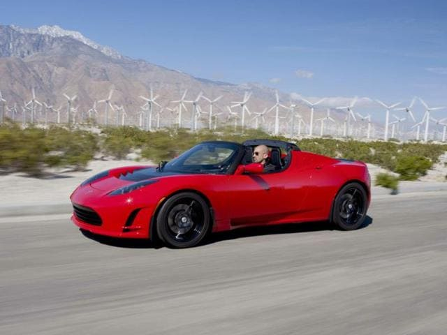 The-Tesla-Roadster-2-5-sports-a-more-aggressive-front-and-rear-Photo-AFP