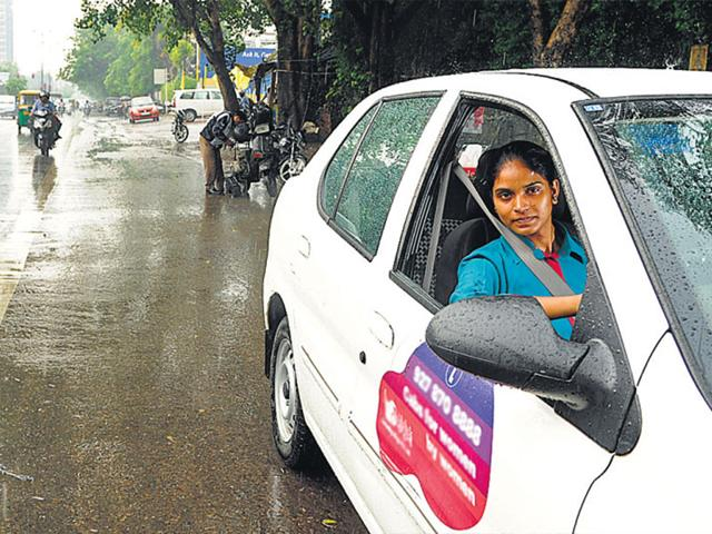 Chandni-23-gets-dirty-looks-from-male-cab-drivers-and-her-neighbours-think-she-s-into-something-fishy-HT-Photo-Saumya-Khandelwal