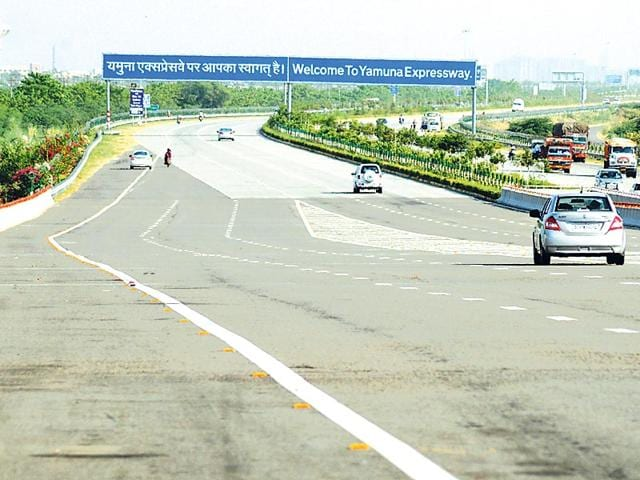The-Yamuna-Expressway-has-shrunk-the-distance-between-Delhi-and-Agra-Sadly-it-is-one-of-just-a-handful-such-links-in-the-country-Photo-HT