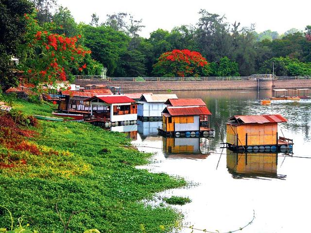 Powai-lake-houseboats