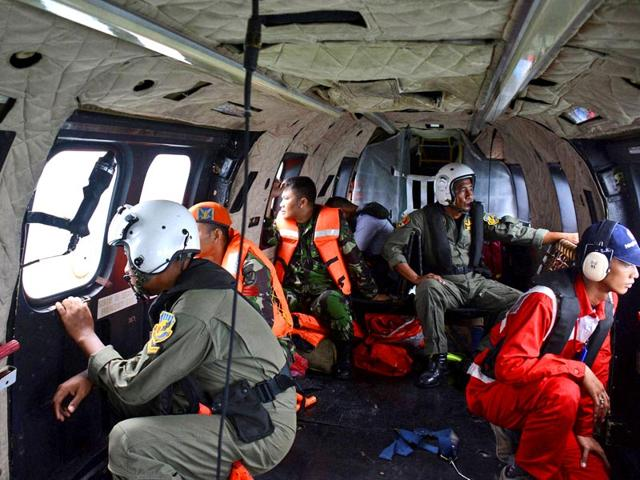 Missing AirAsia flight,AirAsia flight search,Air Asia flight QZ 8501