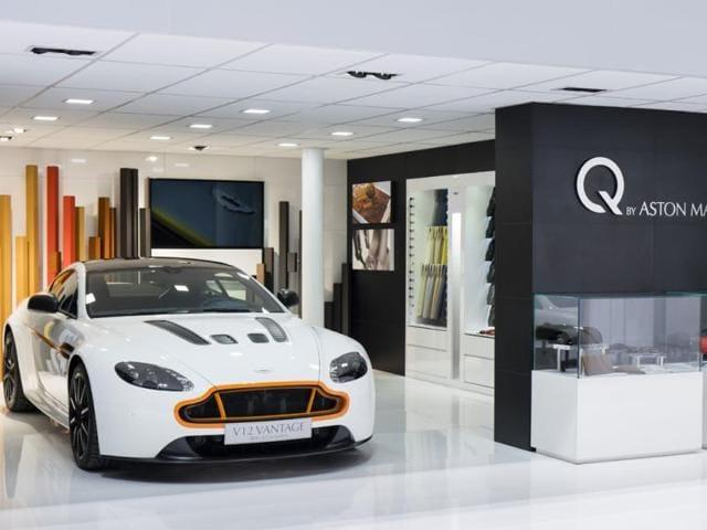 Q,Aston Martin,Aston Martin q