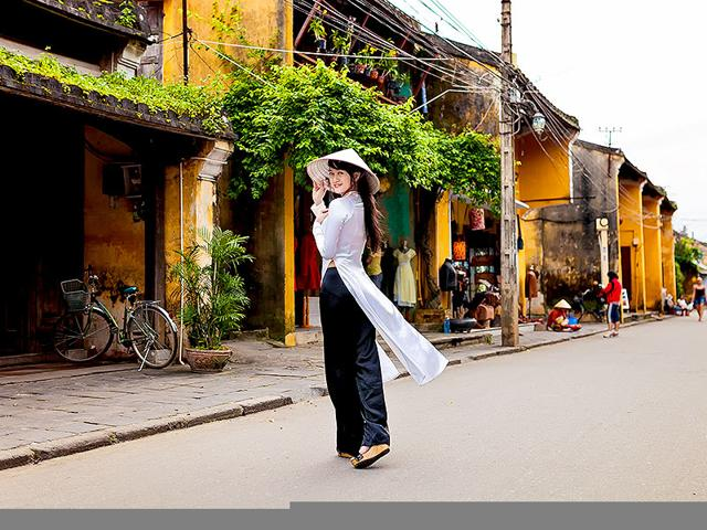 Vietnam-has-declared-2015-its-national-year-of-tourism-Shutterstock