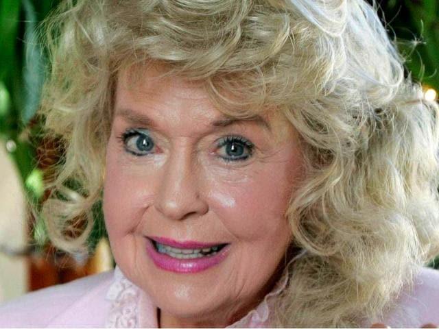 Beverly Hillbillies star Donna Doughlas dies at 82
