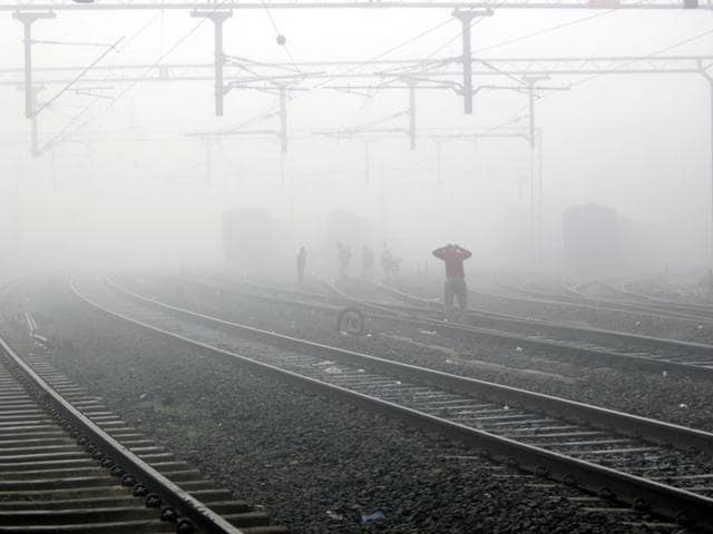 Life-was-thrown-out-of-gear-because-of-dense-fog-in-Indore-on-Sunday-morning-Shankar-Mourya-HT-photo