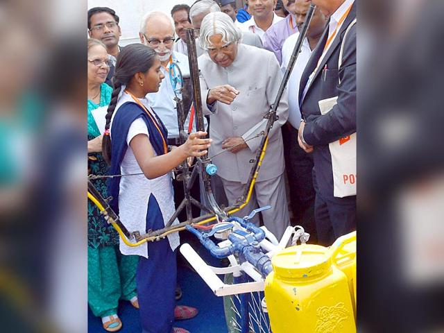 Yavatmal schoolgirl's agricultural innovation appreciated by Dr Abdul Kalam