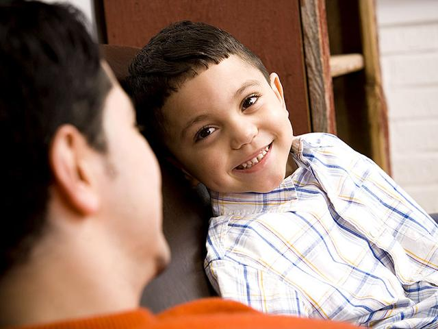 The-positive-effects-of-frequently-talking-to-your-child-is-greater-than-positive-effects-of-reading-Photo-Shutterstock