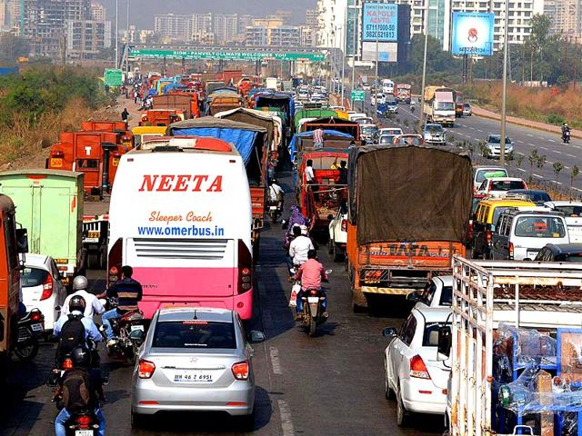 Kharghar toll booth vandalized, highway witnesses traffic snarls