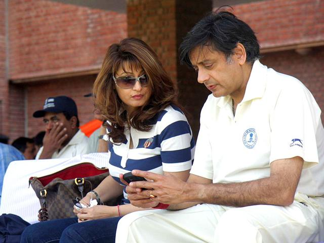 Sunanda-Pushkar-and-her-husband-Shashi-Tharoor-Source-HT-Photo
