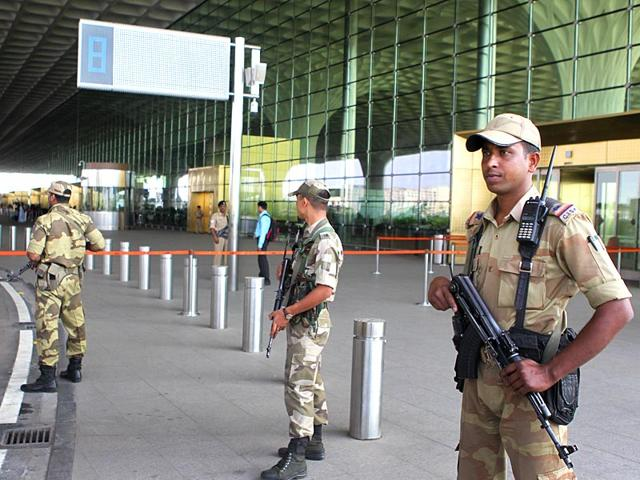 Security-personnel-guard-the-Mumbai-International-Airport-after-a-threat-message-was-found-scribbled-on-a-wall-of-men-s-toilet-at-the-airport-Satish-Bate-HT-photo