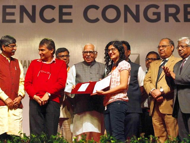 UP-governor-Ram-Naik-C-gives-an-award-to-a-researcher-on-the-closing-day-of-the-ISC-on-Wednesday-The-event-saw-many-controversial-claims-being-made-on-achievements-of-ancient-India-Pratham-Gokhale-HT-Photo