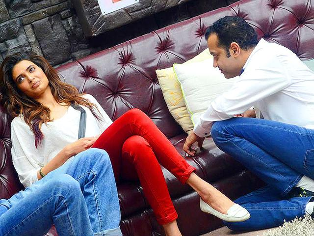 Bigg Boss 8: Now,Rahul Mahajan flirts with Karishma Tanna