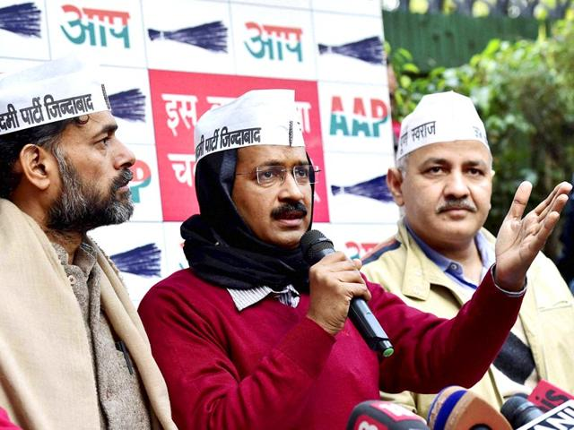 AAP-chief-Arvind-Kejriwal-with-party-leaders-Manish-Sisodia-and-Yogendra-Yadav-during-a-press-conference-in-New-Delhi-PTI-photo