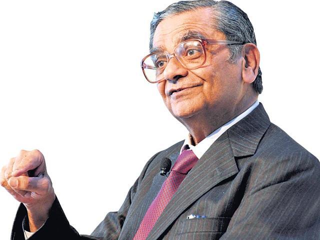 Jagdish Bhagwati,spending,revenues