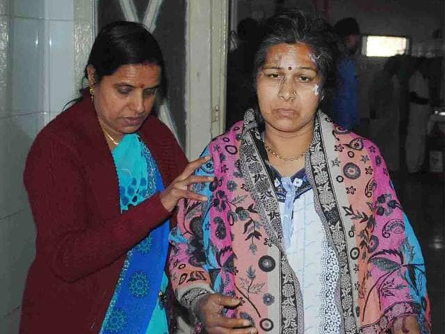 BJP-leader-Murlidhar-Kabra-s-wife-Anita-who-was-injured-in-the-acid-attack-in-Ujjain-Sunil-Magariya-HT-photo