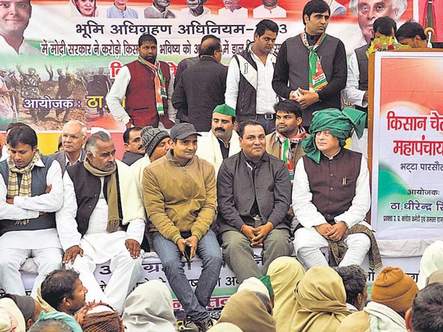 Former-Union-minister-Jairam-Ramesh-at-the-protest-against-the-land-acquisition-ordinance-Sunil-Ghosh-HT