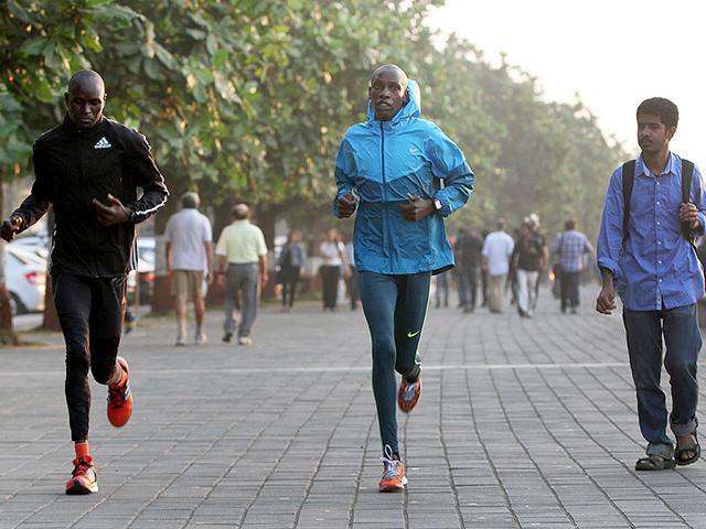 International-athletes-practise-ahead-of-the-Mumbai-Marathon-on-Marine-Drive-in-Mumbai-Arijit-Sen-HT-photo