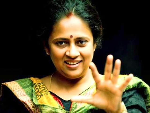 Actor-director-Lakshmy-Ramakrishnan-made-her-debut-in-the-Malayalam-film-Chakkara-Muthu-2006-and-has-since-been-doing-supporting-roles-in-Tamil-cinema-apart-from-directing-films-lakshmy-ramakrishnan-5-Facebook