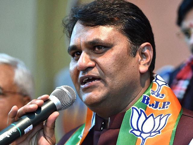 Former-Aam-Aadmi-Party-member-Vinod-Kumar-Binny-speaks-after-he-joined-BJP-at-party-s-Delhi-office-in-New-Delhi-PTI-photo