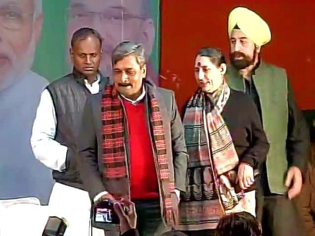 Krishna-Tirath-arrives-in-BJP-office-in-Delhi-on-Monday-Photo-ANI