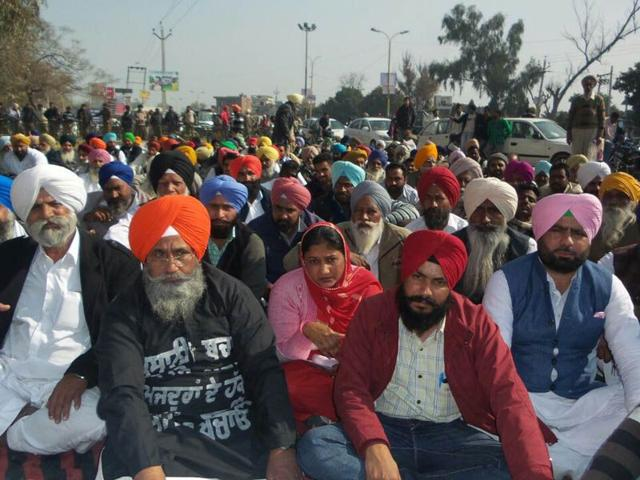 Congressmen-sitting-on-dharna-in-front-of-the-deputy-commissioner-s-office-in-Ferozepur-on-Monday-HT-Photo