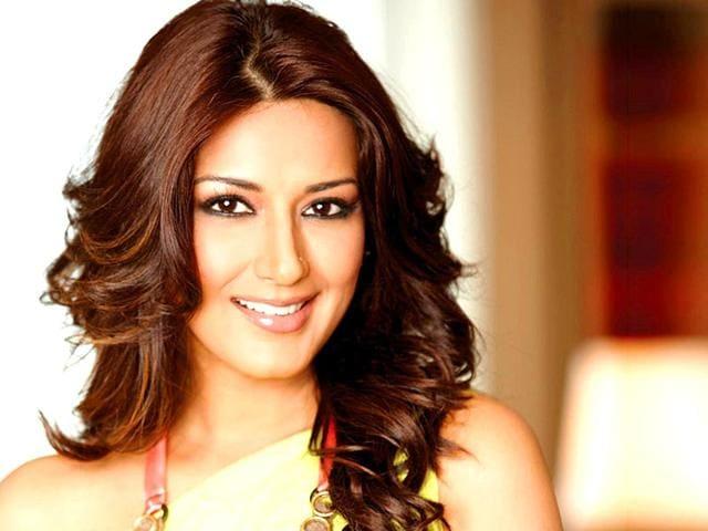 Sonali-Bendre-has-starred-in-over-45-Bollywood-films-including-several-hits-like-Sarfarosh-1999-Major-Saab-1998-and-Zakhm-1998-Agencies