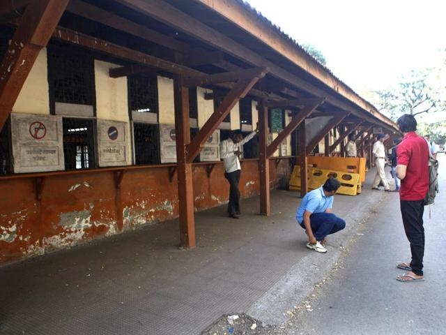 The-RTO-office-in-Tardeo-wore-a-deserted-look-after-the-agents-services-were-discontinued-inside-the-RTO-premises-in-Mumbai-Anshuman-Poyrekar-HT-photo