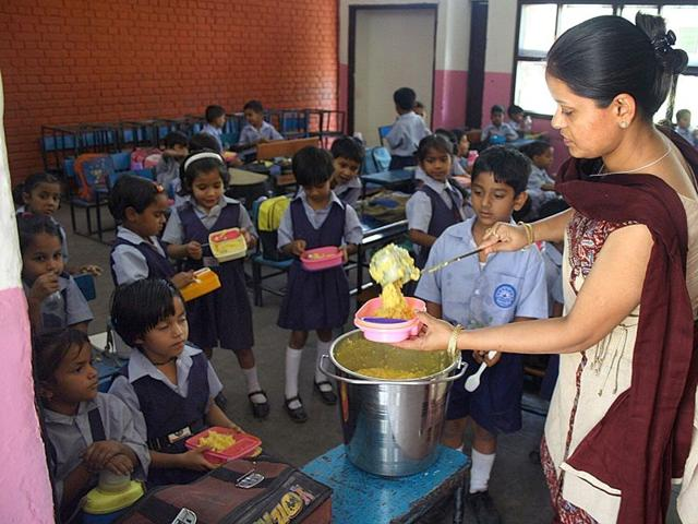 mid day meal,hajipur,students