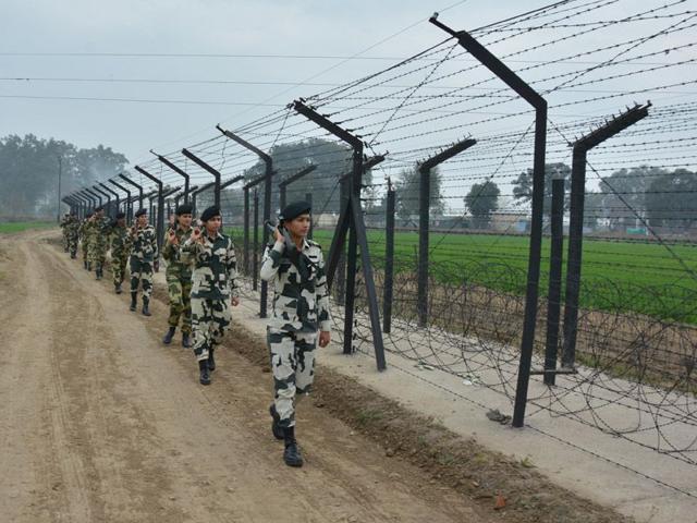 BSF-jawans-patrolling-along-the-Indo-Pak-international-border-in-Amritsar-on-Wednesday-Sameer-Sehgal-HT