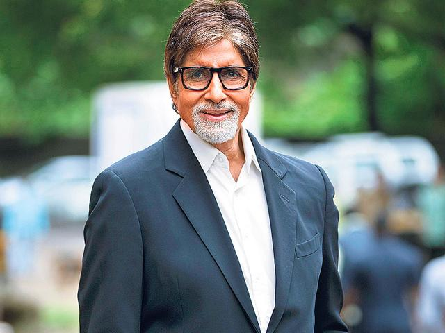 Amitabh Bachchan turns commentator for Indo-Pak match