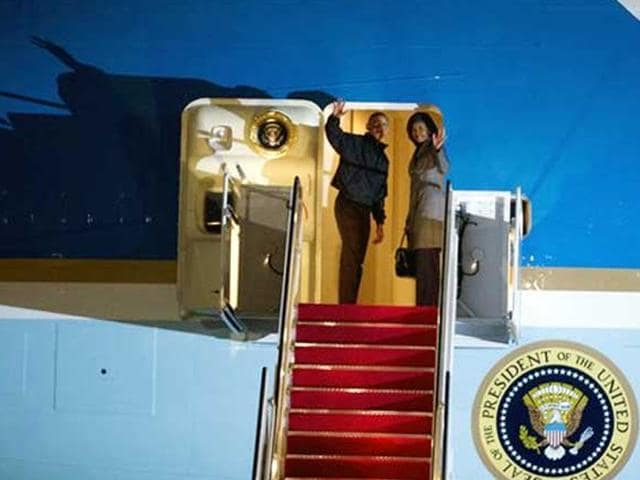 President-Barack-Obama-and-first-lady-Michelle-Obama-leave-for-India-from-Andrews-Air-Force-Base-AP-Photo