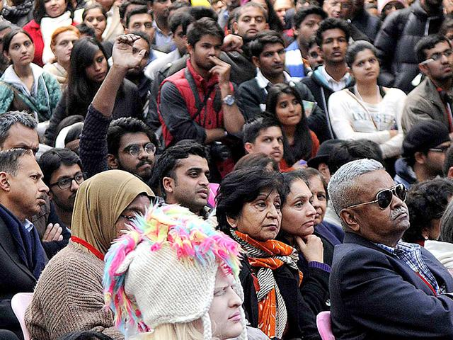 Audience-listen-to-speakers-at-the-Jaipur-Literature-Festival-2015-Photo-Himanshu-Vyas-HT