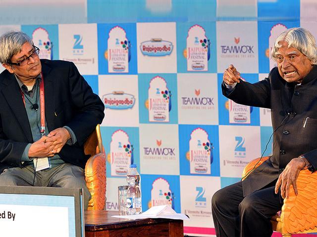 APJ-Abdul-Kalam-with-Bibek-Debroy-at-a-session-on-The-Visionary-Dr-APJ-Abdul-Kalam-at-the-festival-Photo-Mohd-Zakir-HT