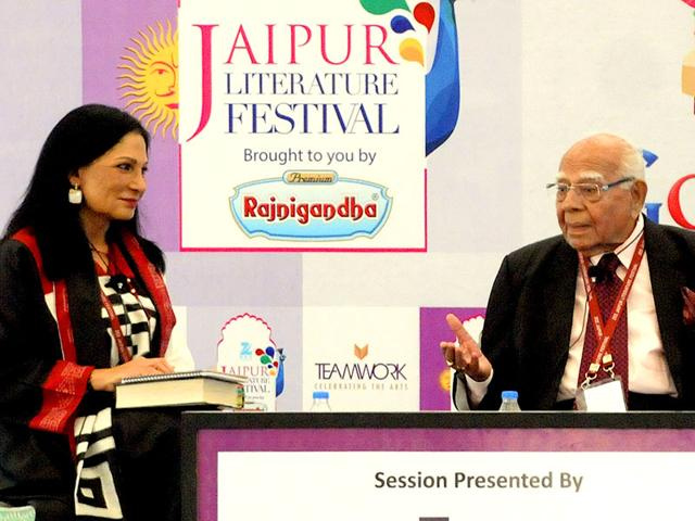 Lawyer-Ran-Jethmalani-in-conversation-with-Madu-Trehan-L-at-a-session-on-Devil-s-Advocate-Ram-Jethmalani-during-the-Literature-Festival-in-Jaipur-on-Sunday-25-January-2015-Photo-Mohd-Zakir-HT