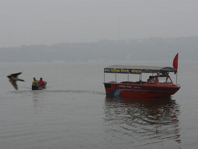 A-speedboat-equipped-with-wireless-sets-loud-speakers-and-floodlights-at-the-Upper-Lake-in-Bhopal-Mujeeb-Faruqui-HT-photo