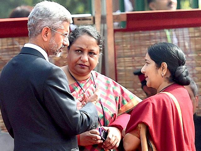 External-affairs-minister-Sushma-Swaraj-with-Sujatha-Singh-and-foreign-secretary-S-Jaishankar-in-New-Delhi-PTI-File-Photo