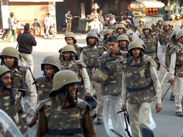 Police-deployed-at-Chhatripura-area-in-Indore-on-Thursday-Shankar-Mourya-HT-photo