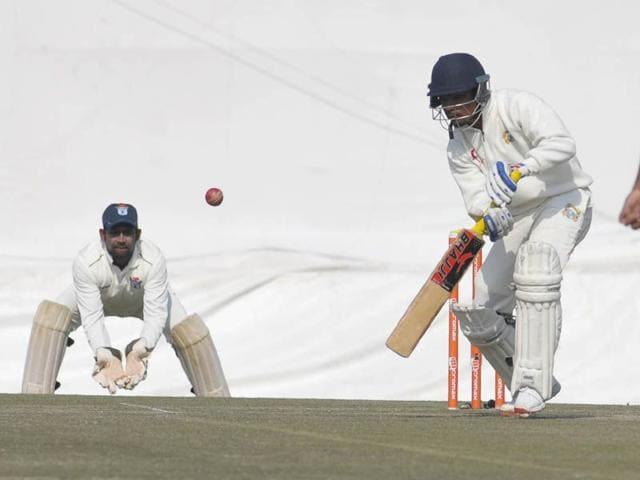 Yuvraj-in-action-during-the-Ranji-Trophy-match-between-Punjab-and-Odhisha-at-the-PCA-stadium-in-SAS-Nagar-Keshav-Singh-HT